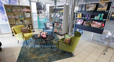 De Dames offers an extra comfortable bodyshop experience for women