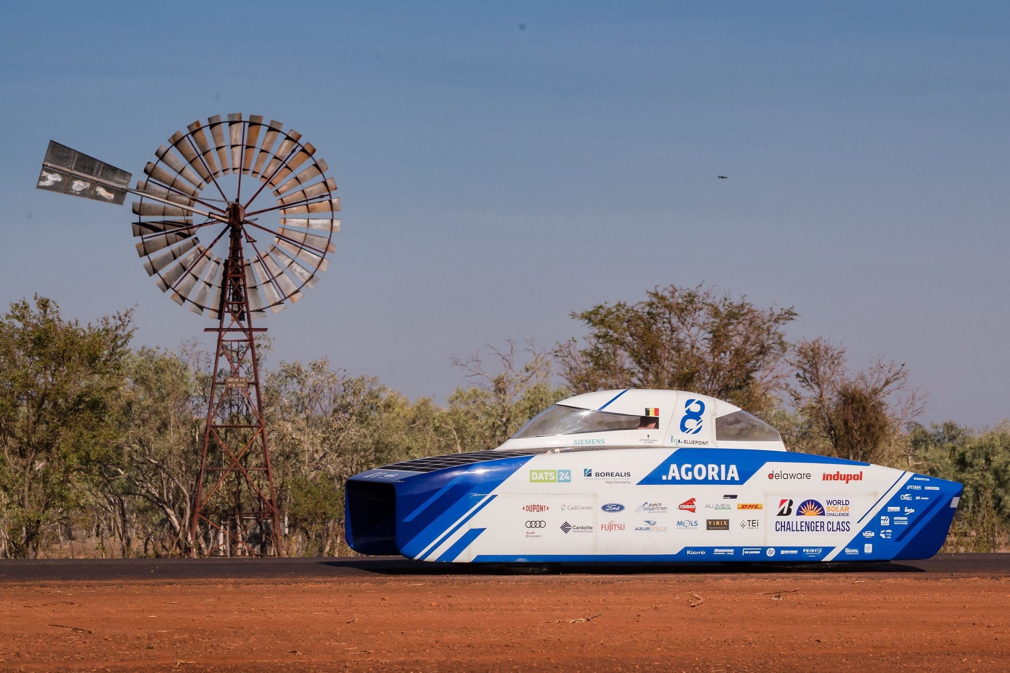 CX_Agoria_Solar_Team_BluePoint_wins_World_Solar_Challenge_1